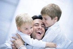 چگونه کودک پر انرژی خود را آرام کنیم؟