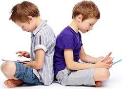 بچه ها از چه سنی می توانند وارد فضای مجازی شوند؟